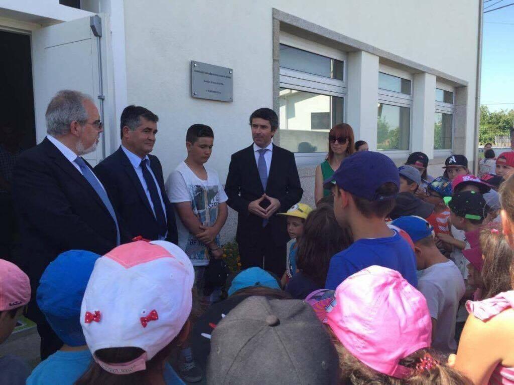 Secretário de Estado das Comunidades visitou ATL de Alvarães para luso-descendentes.